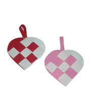 *SPECIAL: Plaited Hearts Assorted Colours - 30 Hearts + Hangers